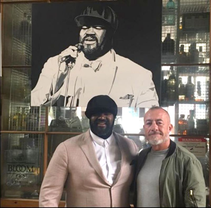 Dom Osman alongside Gregory Porter and his portrait