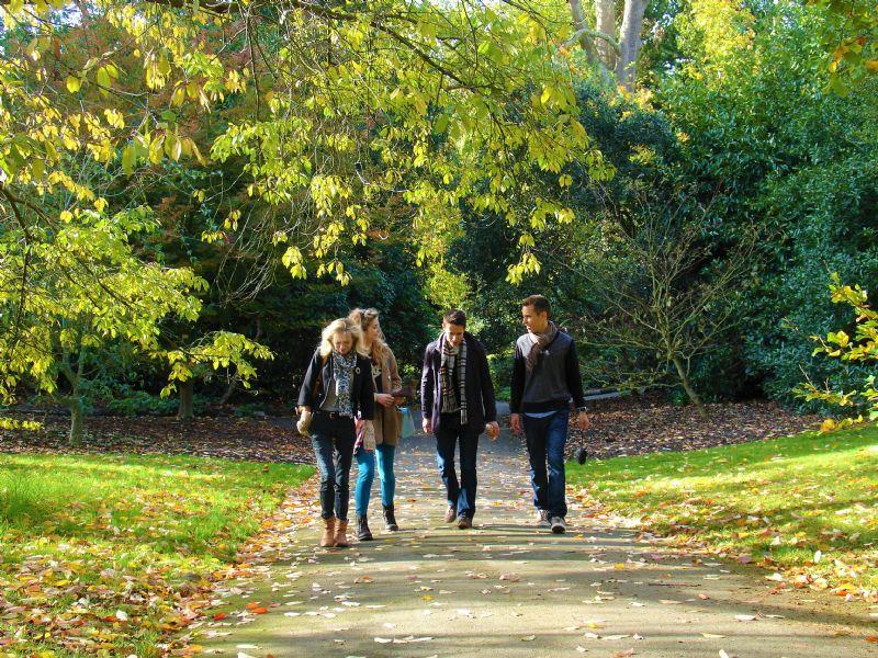 Family autumn walk in Kew Gardens